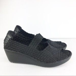 SZ 8.5 Bare Trap Stretch Comfy Wedges